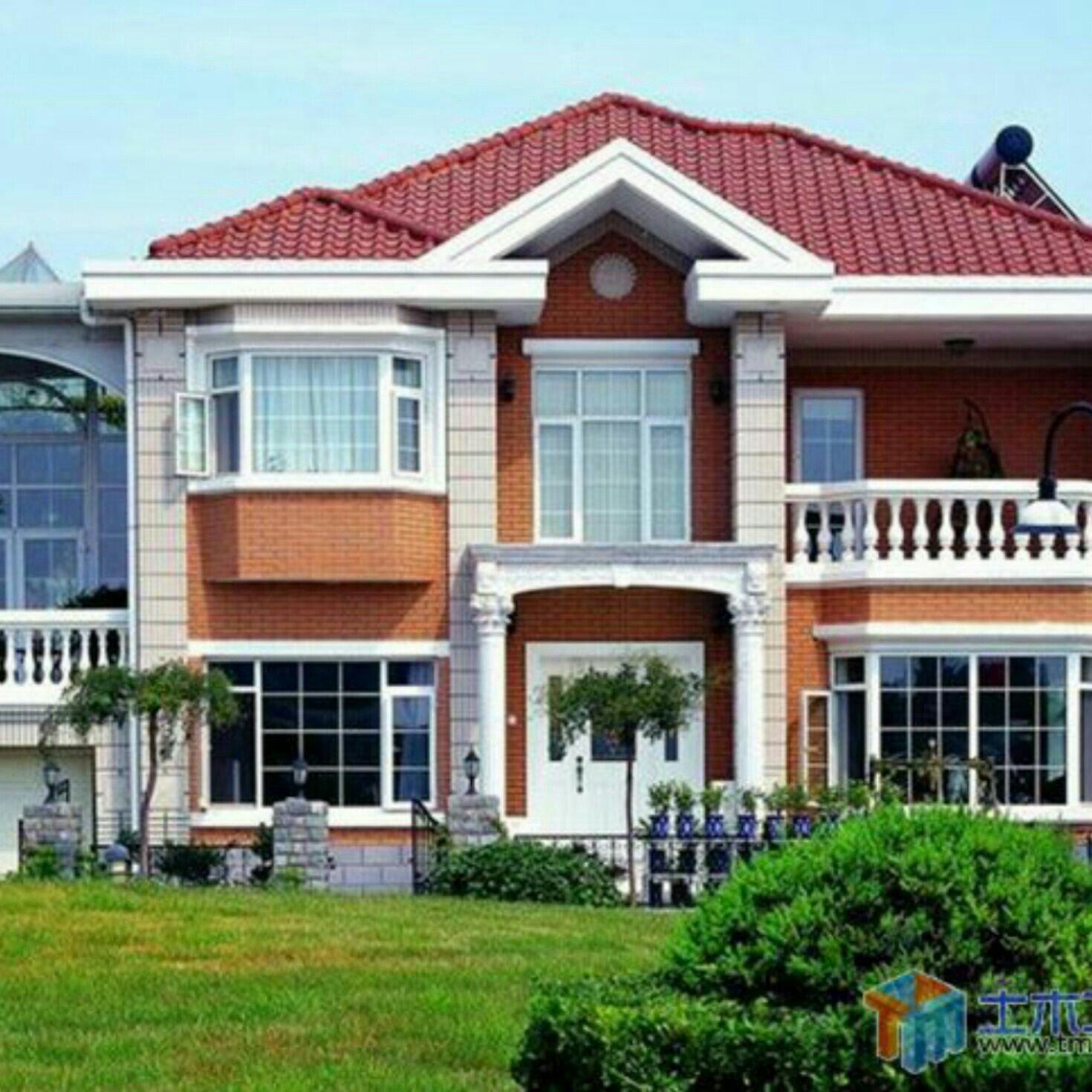 蓝灰色屋顶别墅